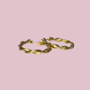 gedraaide oorringen goud