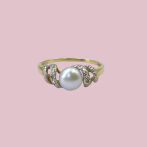 parelring swirly pearl gedraaide ringband