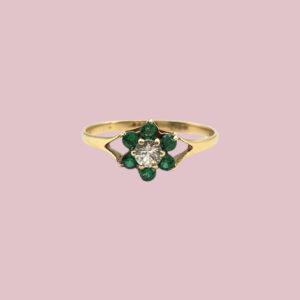 vintage ring met bloem van groene zirkonia's