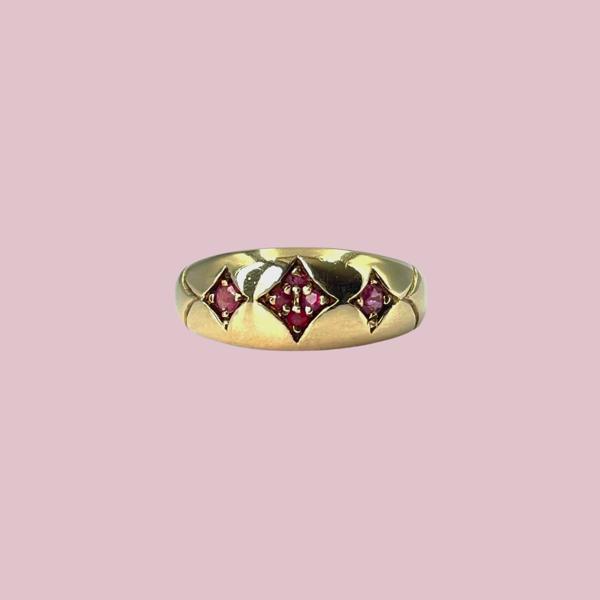 negen karaat gypsy ring met robijnen vintage