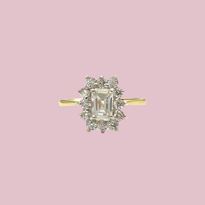 vintage ring met rechthoekige steen zirkonia cluster
