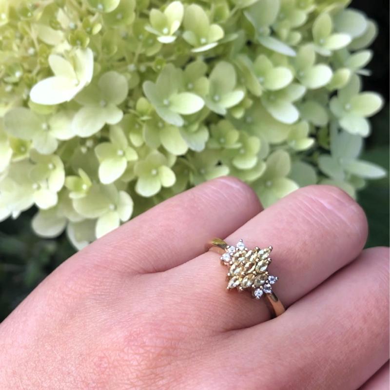 ring met limoen kwarts en bloemen