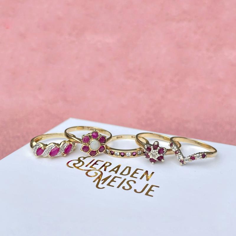 gouden ring met robijn van sieradenmeisje