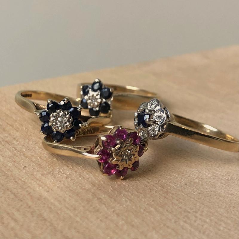 vintage ring met bloem in kleur