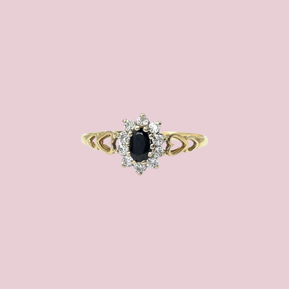 vintage lady di ring saffier cluster met hartjes ringband goud