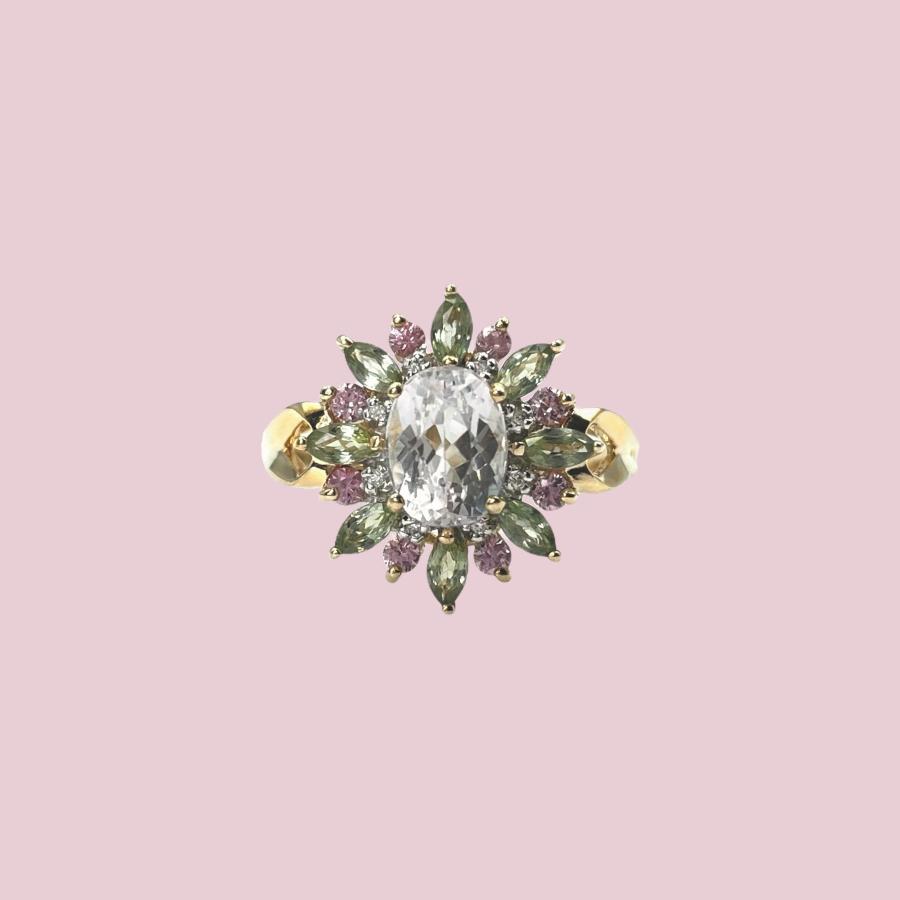 gouden ringen met gekleurde edelstenen cocktail ring groen paars roze