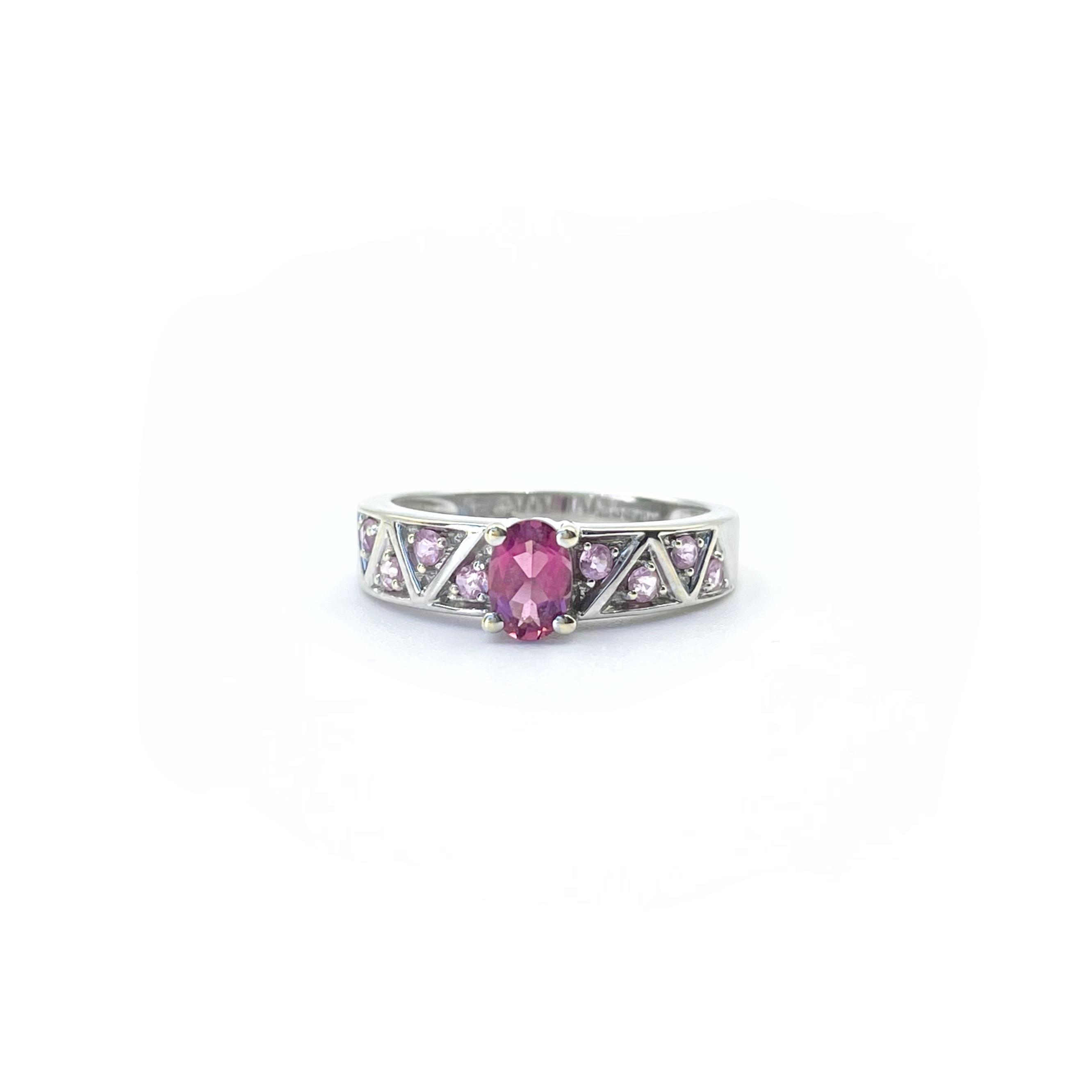 ring witgoud roze steen lila steen ioliet
